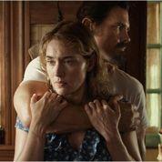 Kate Winslet dans les bras d'un tueur