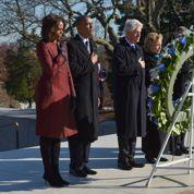 Les Obama et les Clinton se recueillent sur la tombe de JFK