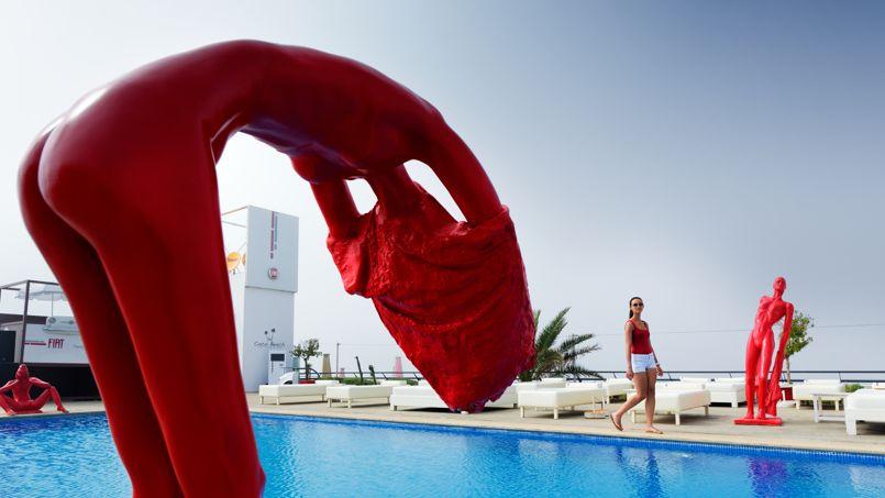«L'Hôtel Des Arts Resort & Spa» de Dar Bouazza. Cette petite station balnéaire est le dernier rendez-vous branché.