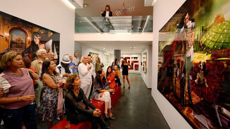 Casablanca compte une dizaine de galeries d'art. Ici, le vernissage pour l'ouverture d'une nouvelle librairie-galerie d'art «L'Artothèque Taschen».