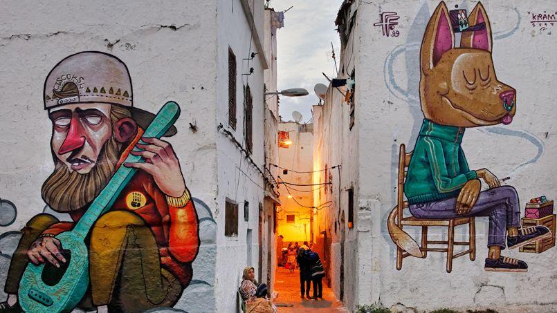 Dans les ruelles de l'ancienne médina, création et tradition se côtoient au quotidien et révèlent le caractère si particulier de la ville blanche.