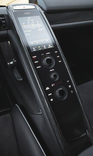 La console centrale à écran tactile se pilote comme un produit Apple.