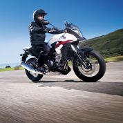 La moto sur la route du low-cost