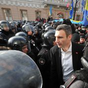 Ukraine : Klitschko, l'ex-champion de boxe qui veut mettre KO le président