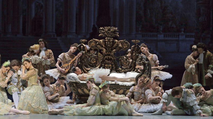 Ballet de Noël à l'Opéra national de Paris La Belle au bois dormant