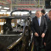 Pour Ayrault, la Peugeot «made in China» est vitale pour PSA