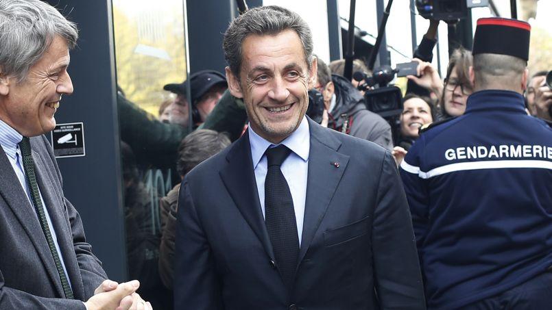 Nicolas Sarkozy est plébiscité par les partisans de l'UMP pour être le candidat à la prochaine élection présidentielle.