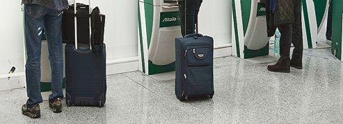 Alitalia se réorganise sans avoir trouvé de sauveur