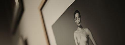 Des photos de Carla Bruni nue utilisées pour espionner des diplomates