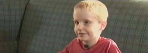 Un enfant de 6 ans accusé de harcèlement sexuel pour un bisou