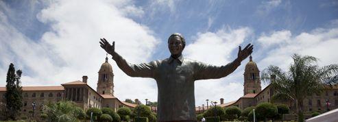 Une statue géante de Nelson Mandela à la manière du Christ Rédempteur
