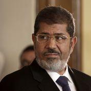 Égypte: Morsi inculpé pour espionnage