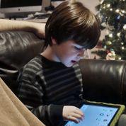 «La tablette détourne le bébé des activités dont il a besoin»