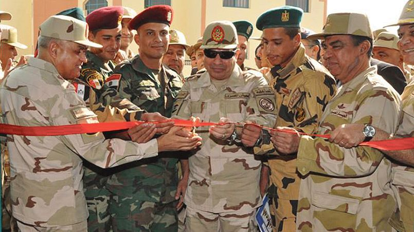 Égypte: les Frères musulmans asphyxiés