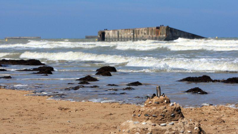 Le port artificiel d 39 arromanches menac par la mer - Port artificiel d arromanches construction ...