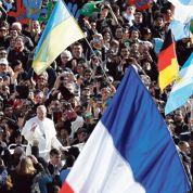 Le pape François séduit la France