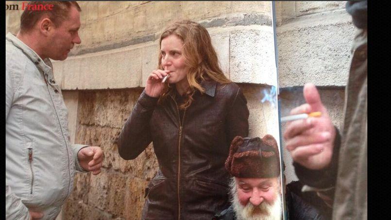 NKM à nouveau raillée pour une photographie d'elle à Paris PHO7195cf0a-7448-11e3-9cea-90bb631342be-805x453