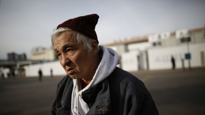 «Nous sommes une cible facile pour les recruteurs», estime Shizuya Nishiyama, un sans-abri rencontré par l'agence Reuters à Sendai, à 60 kilomètres de Fukushima.