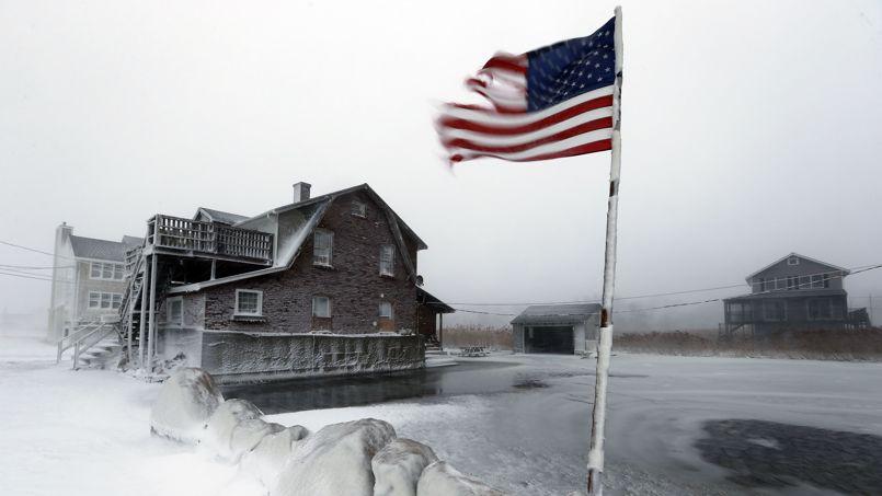 La tempête a aussi occasionné quelques inondations comme ici à Scituate, sur le littoral du Massachusetts.