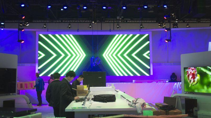 Derniers préparatifs avant l'ouverture du CES à Las Vegas.