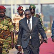 Centrafrique: la France pousse le président à la démission