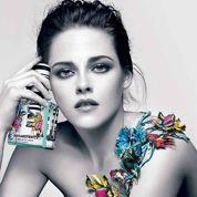 Kristen Stewart pose topless pour un parfum
