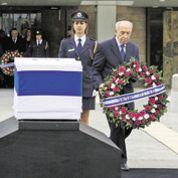 Les adieux contrastés des Israéliens à Ariel Sharon
