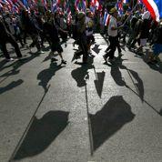 L'opposition thaïe resserre son étreinte