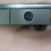Jugée pour avoir porté des Google glass au volant