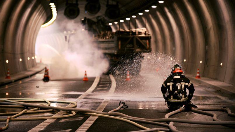 Tunnels routiers: la sécurité au point mort PHOe531f64c-7f87-11e3-a00f-bd1419ecf125-805x453