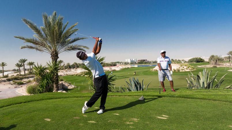 Les accros des greens s'offriront un parcours au Doha Golf Club, oasis rafraîchissante entre ville et désert.