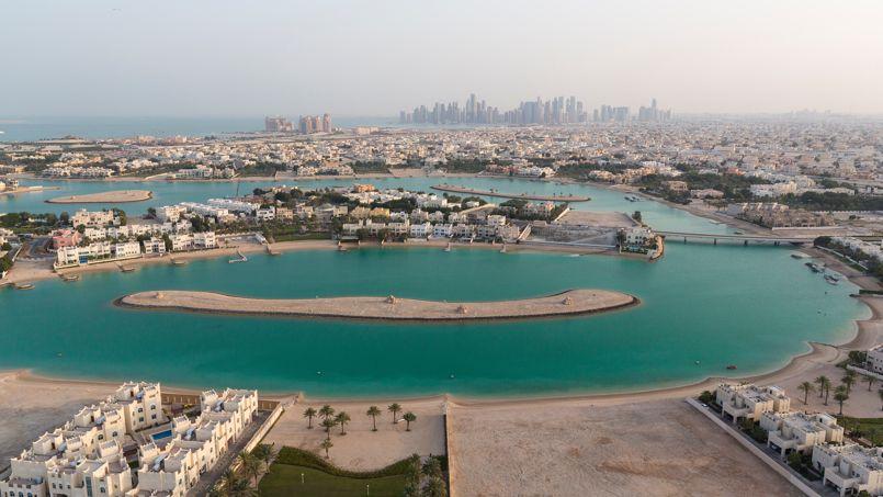 West Bay Lagun près de The Pearl-Qatar offre une vue surprenante sur la skyline de Doha.