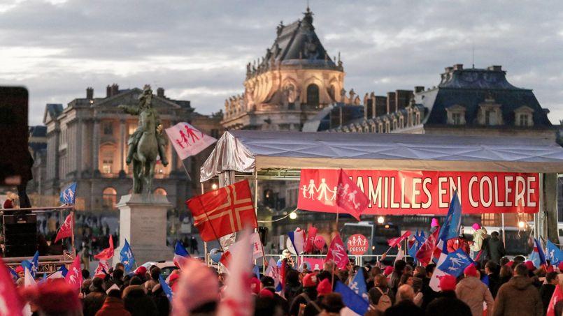 Rassemblement organisé devant le château de Versailles, le 15 décembre dernier, par les sympathisants de la Manif pour tous.