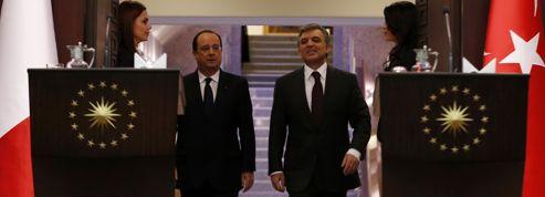 Hollande promet un référendum sur l'entrée de la Turquie dans l'Europe