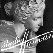 Signé Harcourt