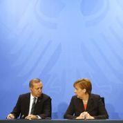 Merkel sceptique sur une entrée pleine de la Turquie dans l'UE