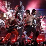 Red Hot Chili Peppers : le bassiste avoue le play-back