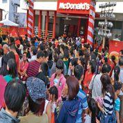 McDonald's pris d'assaut par ses premiers clients au Vietnam