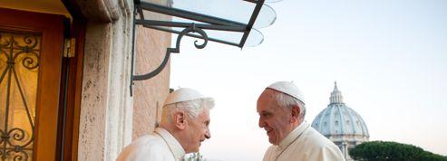 De Benoît XVI au Pape François :évolution ou révolution ?