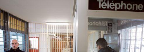 Prison : le contrôleur général favorable à l'autorisation des portables