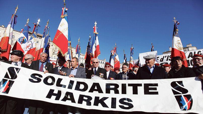 Manifestation du collectif «Non au 19 mars 1962», en novembre 2012, à Toulon.