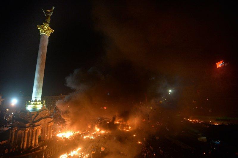 ukraine - Page 2 20140218PHOWWW01183