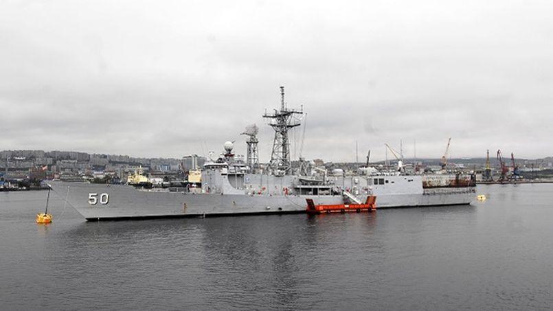 La frégate USS Taylor en 2010 en Russie.