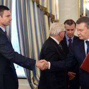 À Kiev, le pouvoir ukrainien cède à la rue