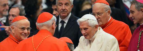 La surprise Benoît XVI pour le Consistoire