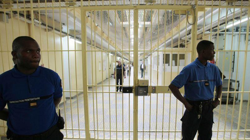 Un seul centre socio-médico-judiciaire existe à ce jour. Il est implanté à la prison de Fresnes.