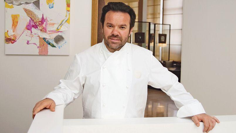 Michel Troisgros, héritier de trois générations de cuisiniers, ici dans son restaurant à Roanne.