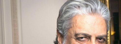 Enrico Macias doit 30 millions d'euros à une banque en faillite
