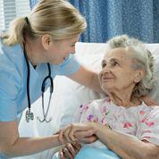 Mutuelle santé sénior: se faire soigner en clinique
