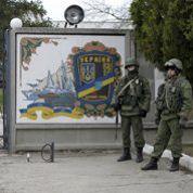 En Crimée, l'armée russe se déploie en plein jour